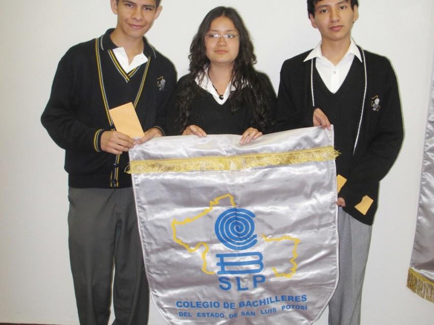 Representarán al estado 3 estudiantes del Cobach en la Olimpiada Nacional de Quìmica.