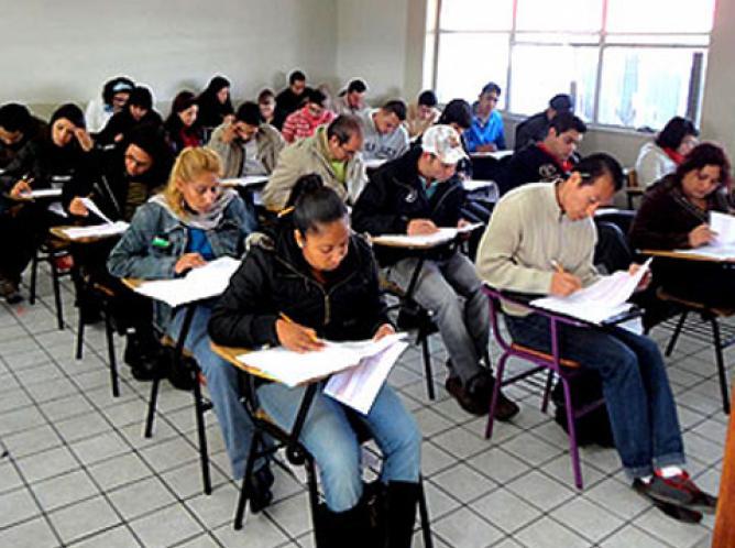La SEP promete fortalecer escuelas normales