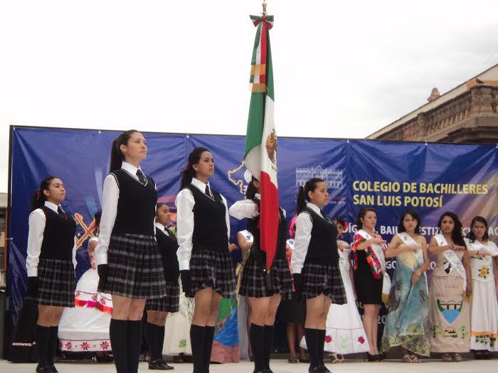Inauguran la XXX Muestra Cultural de colegio del bachilleres