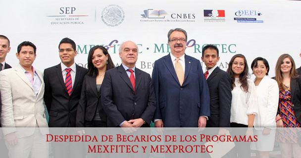Entregan México y Francia becas a estudiantes de excelencia