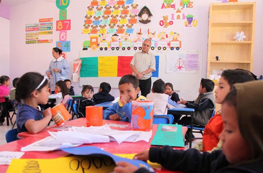 Cuatro de cada 10 niños de tres años asiste a preescolar
