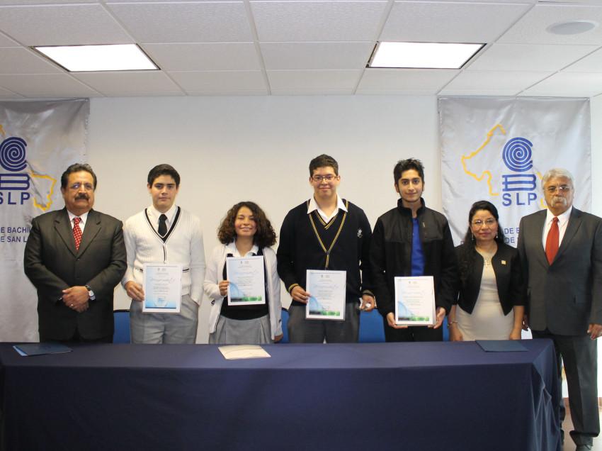 Oro y plata para alumnos del Colegio de Bachilleres en la Olimpiada Nacional de Biología