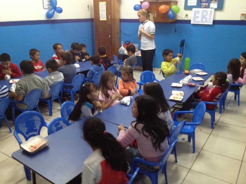 Reconocen labor de educadoras en su día