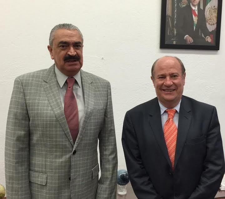Rector mostró alcances de la UASLP a subsecretario de Educación Federal