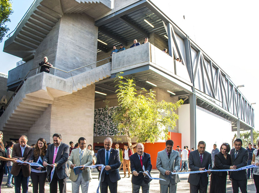 Inaugura el Rector la Sala Multifuncional de la Facultad del Hábitat