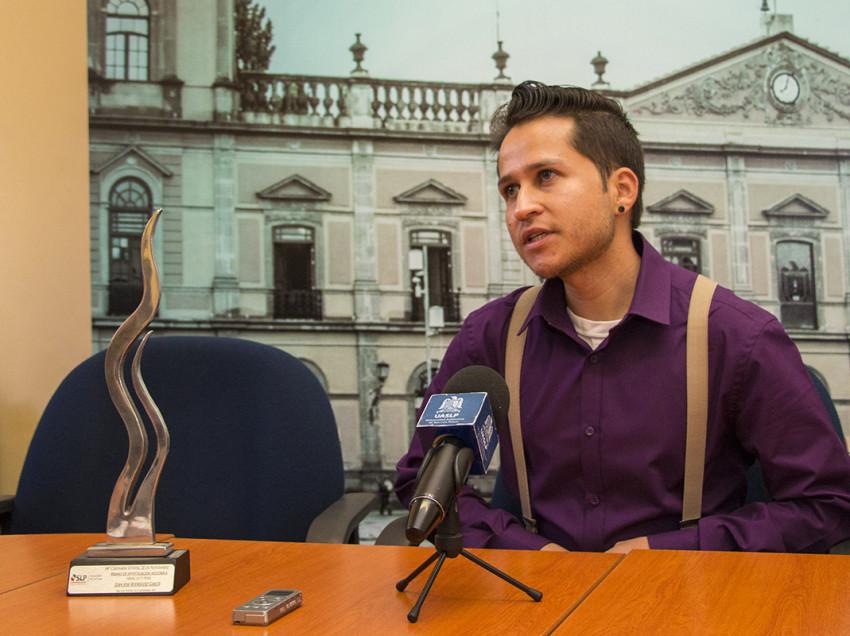 Egresado de la UASLP obtiene el Premio de Investigación Histórica