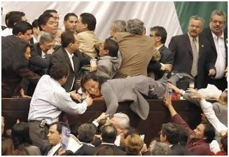 La clase política en México está desgastada