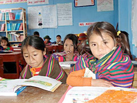 100 porciento de estudiantes indígenas de preescolar y primaria recibirán desayuno escolar