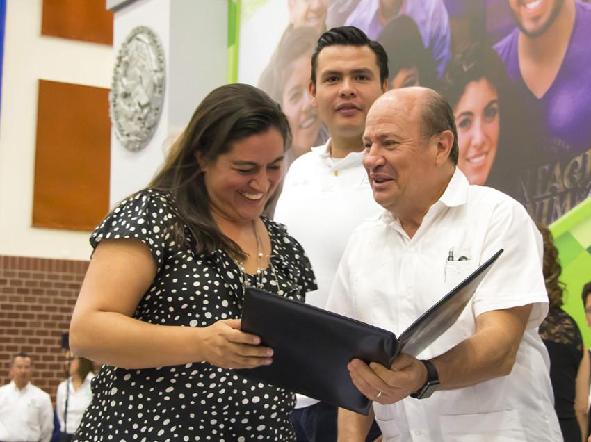 Estudiantes universitarios ya cuentan con afiliación al IMSS