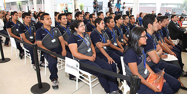 Alumnos potosinos están capacitados para trabajar en empresas automotrices