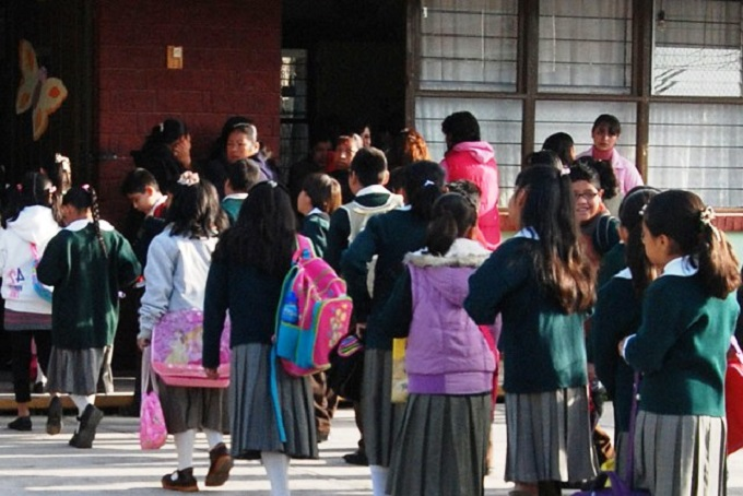 Hoy regresan a clases 900,000 estudiantes de los niveles básicos, media superior y superior