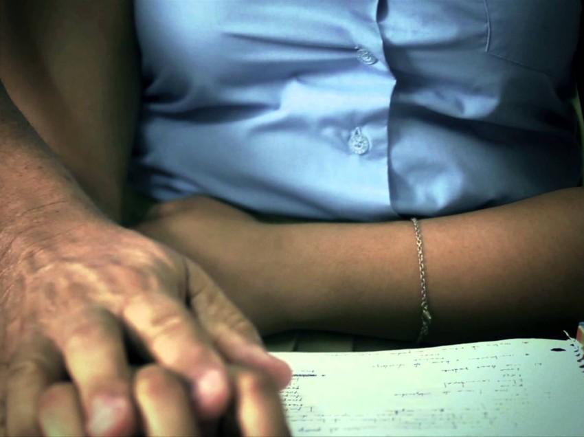 Detienen a maestro acusado de abuso sexual en contra 10 menores
