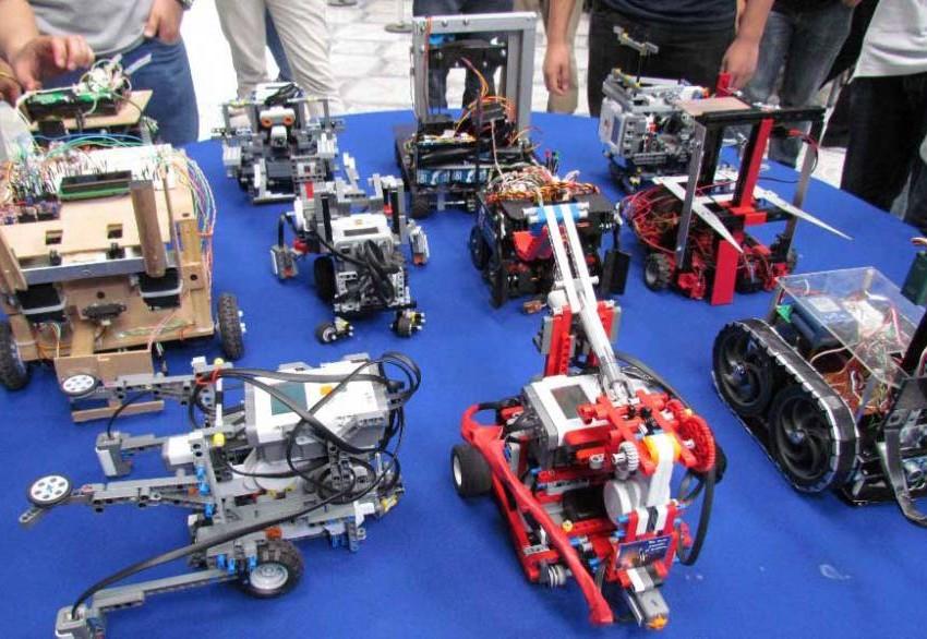 Estudiantes de SLP participan en concurso nacional de robótica
