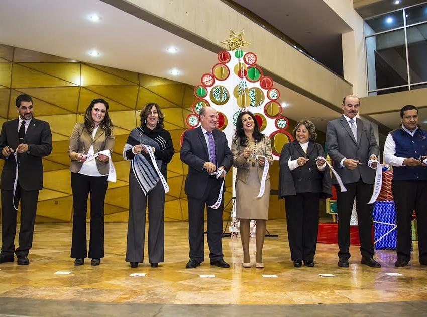 Inicia Unibazar 26 de la UASLP en el CC200
