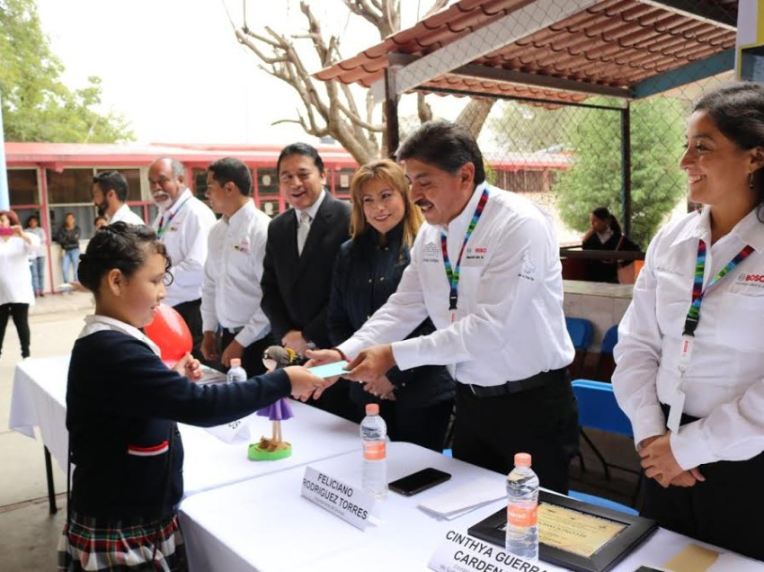 Empresa Robert Bosch benefició a mil 400 alumnos potosinos