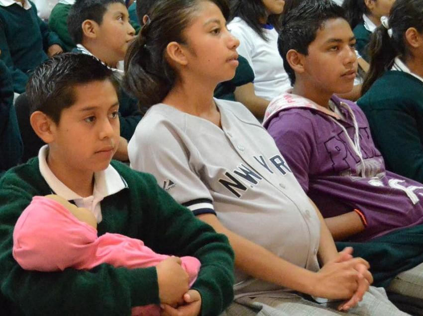 Urgente generar estrategias para ayudar a adolescentes en edad escolar: experto