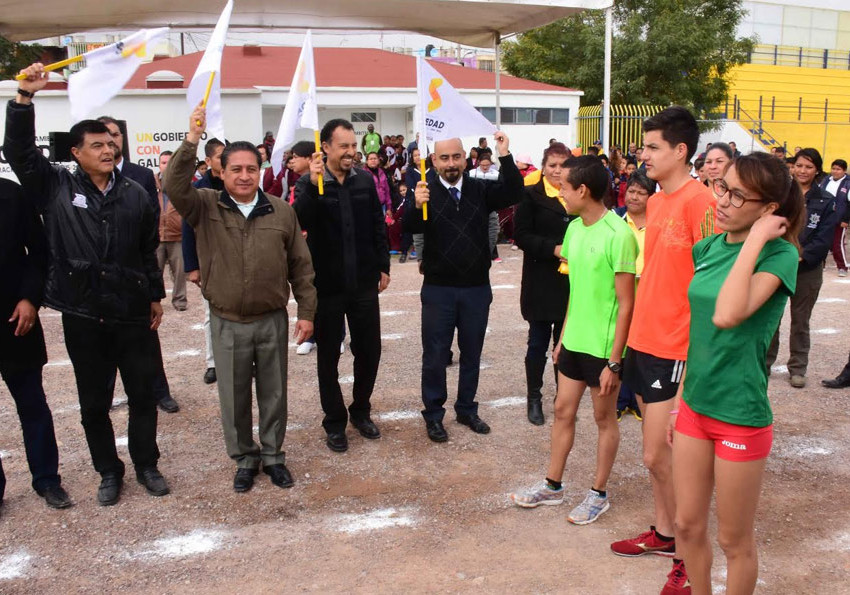 Inauguran Escuela de Caminata Carlos Mercenario