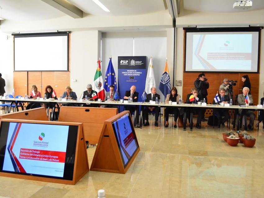 Se reúne academia potosina y embajadores de la Unión Europea