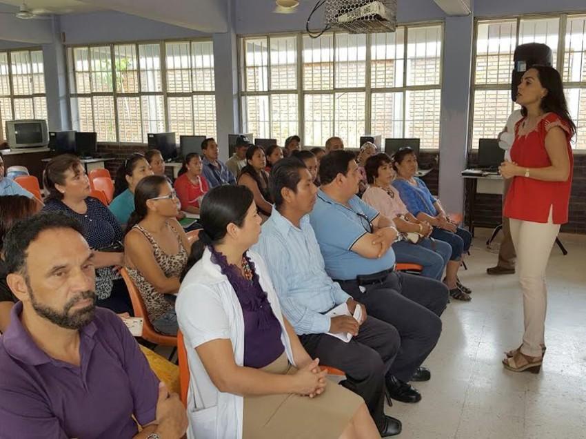 De gira por la Huasteca Marianela Villanueva Ponce