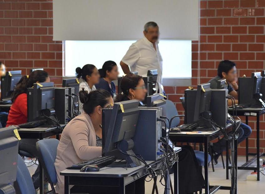 Participan 4 mil docentes en la evaluación para ingreso a educación básica