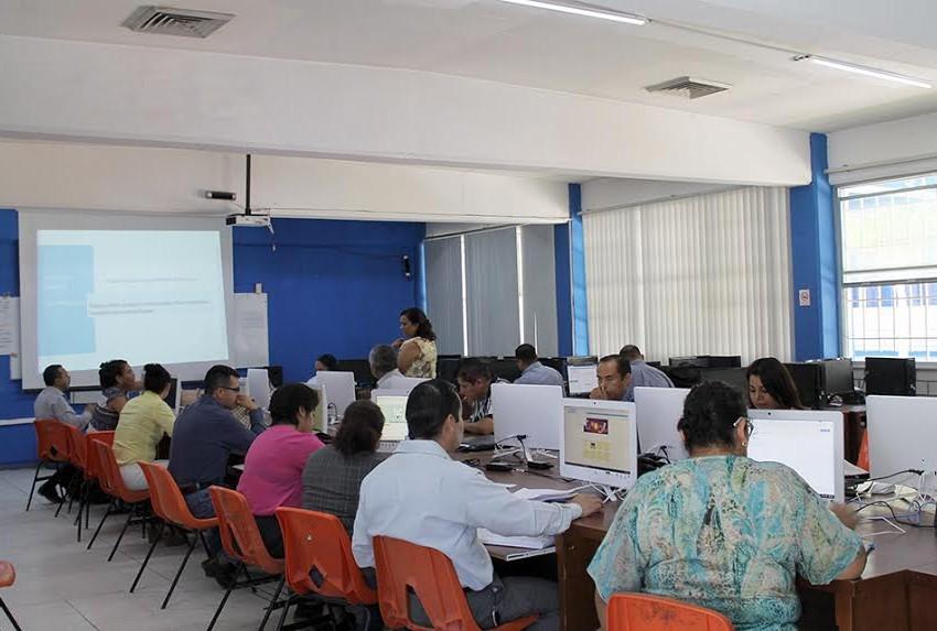 Apuesta COBACH a la capacitación docente y administrativo