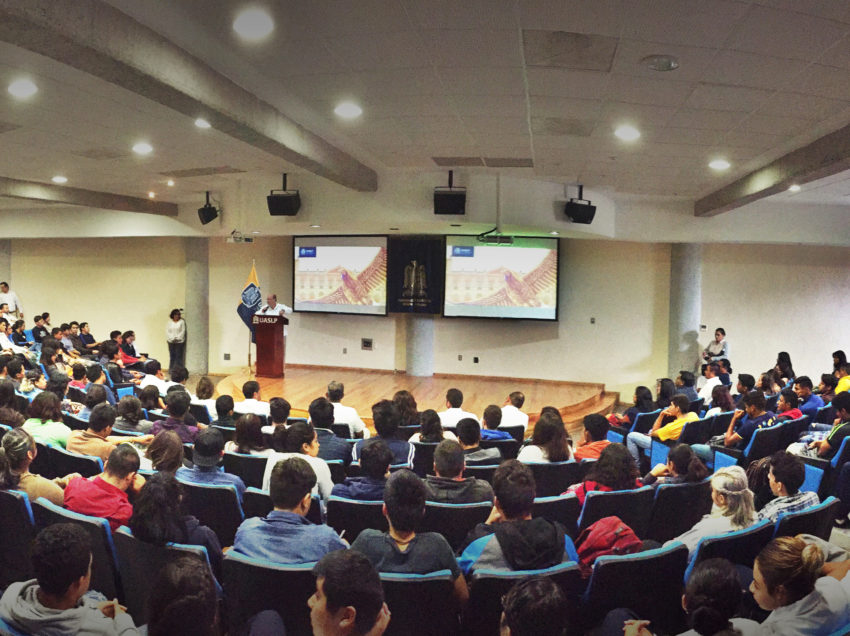 Recibe la UASLP a2 mil alumnos del Altiplano
