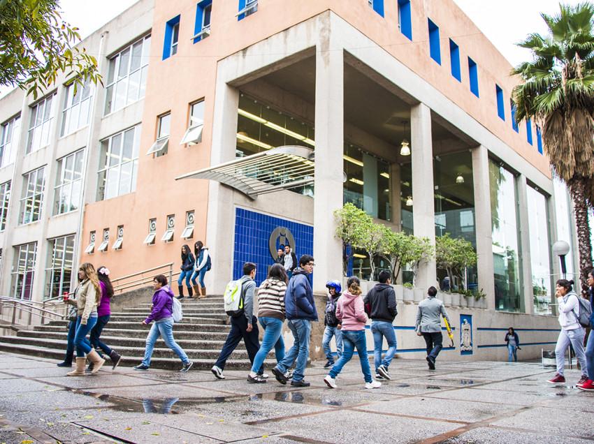 UASLP fortalece programas de atención al Estudiante