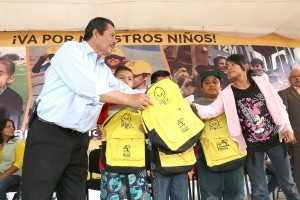 Gallardo busca transporte gratuito para estudiantes en SLP