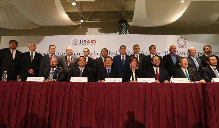 Firman convenio laUASLP, SEP, ANUIES y la Embajada Norteamericana