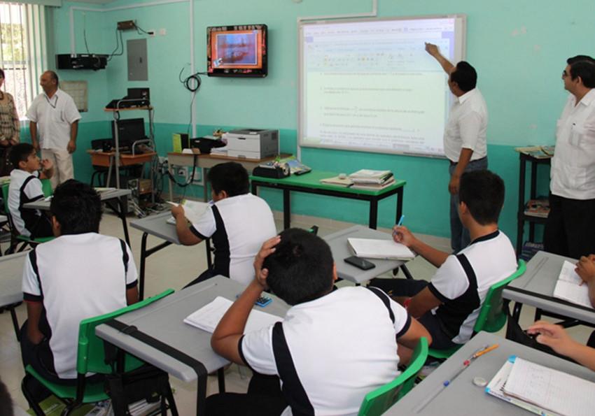Ofrecen becas para alumnos de bachillerato