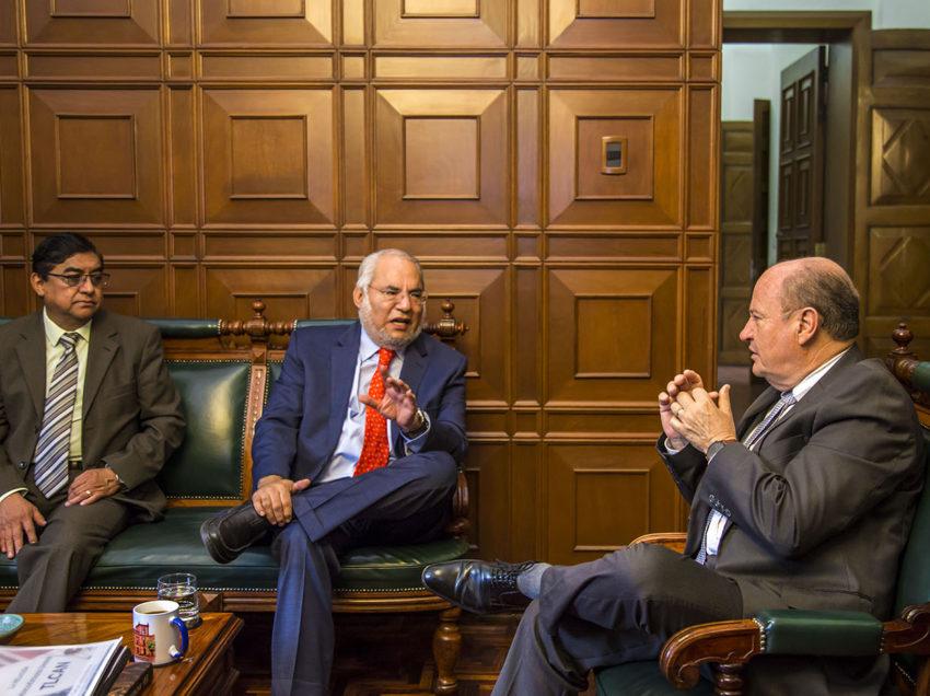 El Cónsul de EEUU en México visita la UASLP