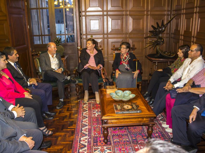 Nuevo Comité Ejecutivo de la UAPA visita al rector de la UASLP