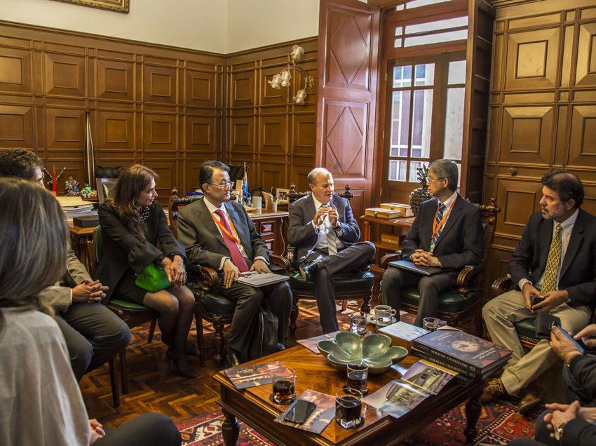 Embajador de Japón en México visita la UASLP