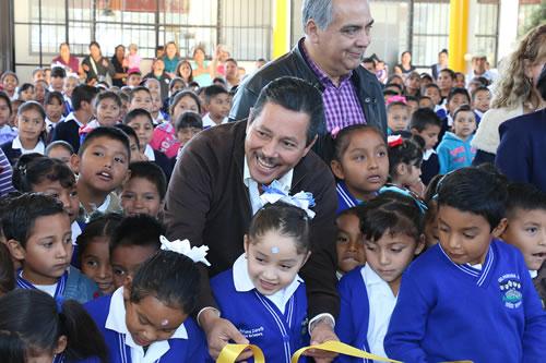Ayuntamiento Capitalino inaugura techado en la Escuela Primaria Niños Héroes