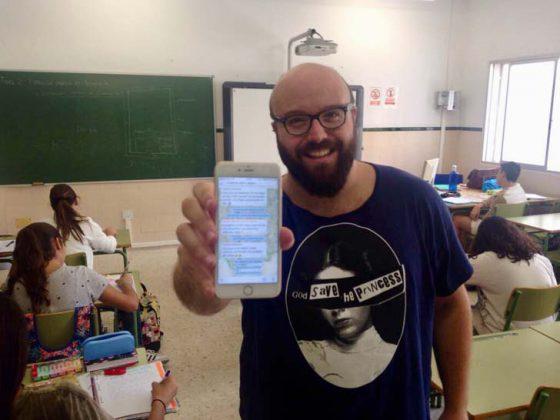 Juan Naranjo, el docente de Secundaria que enseña Historia con ayuda de WhatsApp