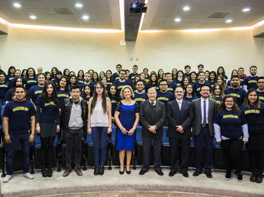 Alumnos de la UASLP realizarán estancias académicas en 12 países