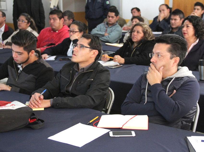 Se actualizan programas de proteccion civil en escuelas municipales
