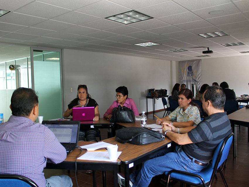 Cobach implementa talleres para la mejora de la calidad académica