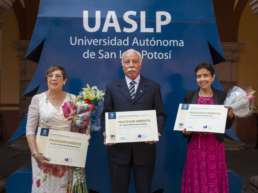 UASLP reconoce a profesores eméritos