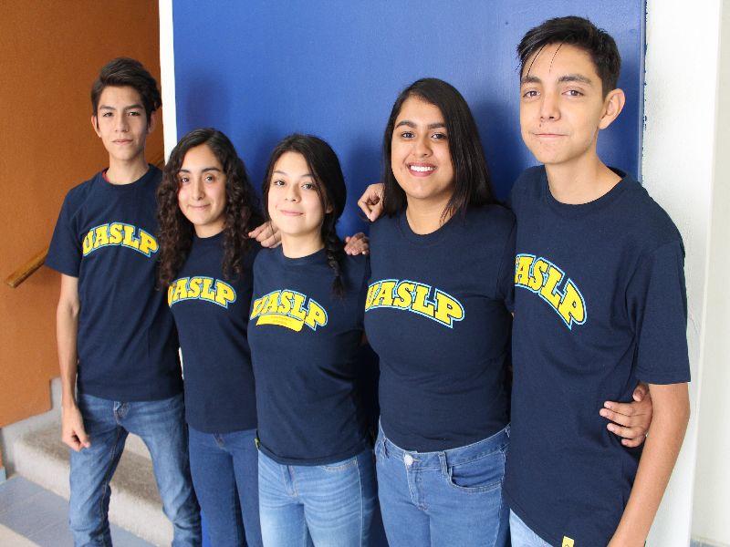 Alumnos de la Preparatoria de Matehuala obtienen beca para acudir a Estados Unidos