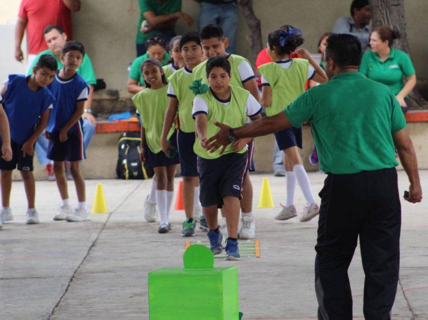 SEER entrega estímulos a profesores de educación física