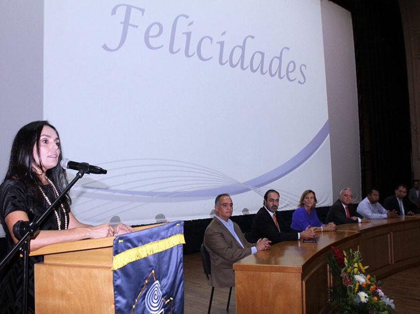 Entrega Cobach reconocimiento a profesores y administrativos