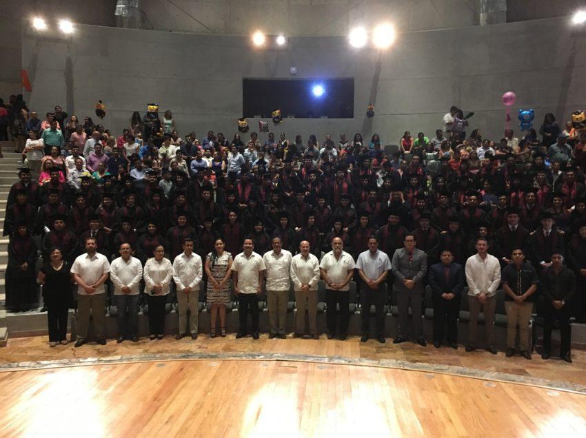 Campus Valles de la UASLP entregó a la sociedad a 84 nuevos profesionistas