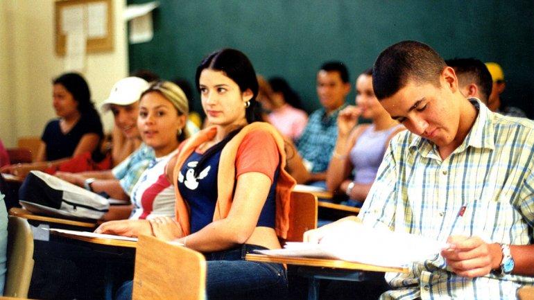El 56% de los padres se endeuda por la educación de sus hijos