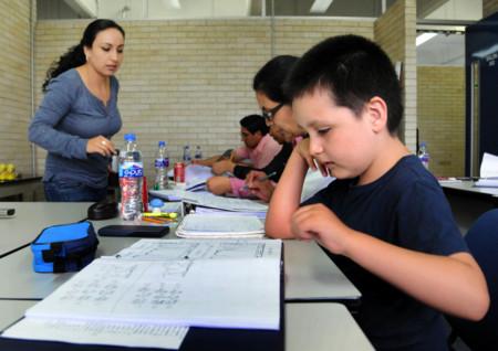 Inicia niño genio su primer día de clases en la UNAM