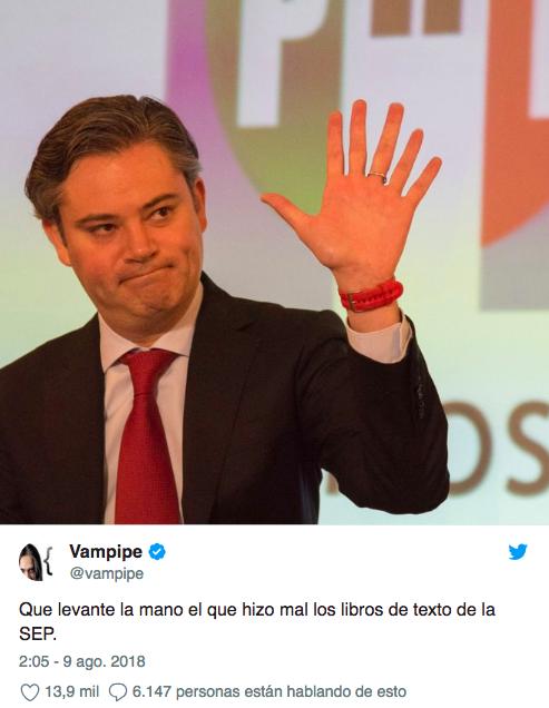 Libro de la SEP ilustra mano con 6 dedos y los memes no se hacen esperar