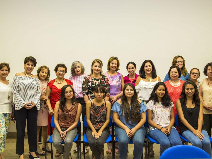 Damas Voluntarias de la UASLP redoblan esfuerzos para otorgar becas a estudiantes
