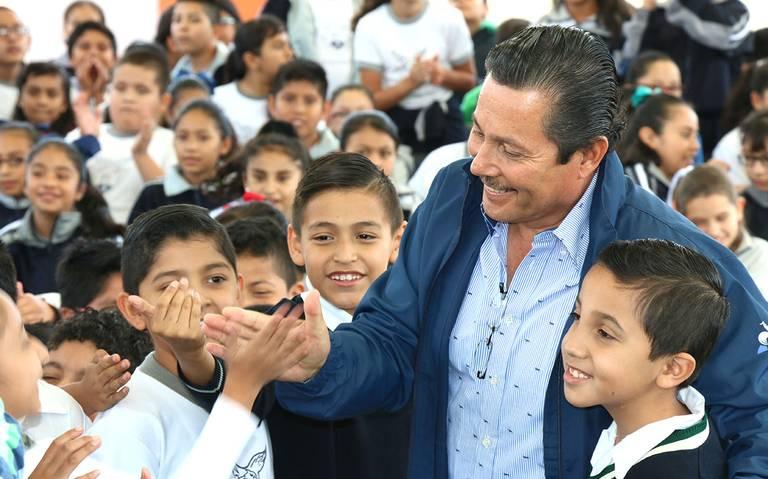 """Inauguran techado de jardín de niños """"Francisco Eduardo Tres Guerras"""""""