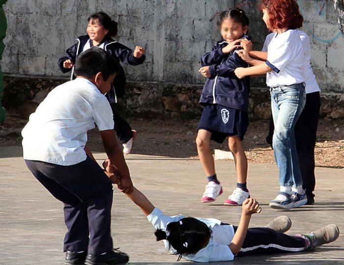 Facebook lanza programa para combatir bullying en escuelas