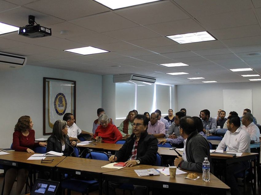 Académicos del Cobach dan seguimiento a implementación de modelo educativo